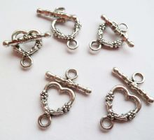 Flower Heart Toggle x 5 sets. Tibetan Style Silver. 18mm x 13mm